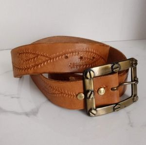 NEW HAND TOOLED GENUINE LEATHER BELT W/RIVETED BKL
